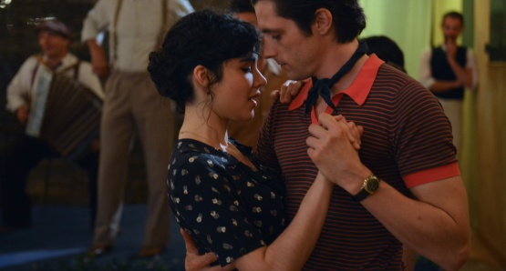 Victoire Bélézy as Fanny and Raphaël Personnaz as Marius in MARIUS, a film by Daniel Auteuil.